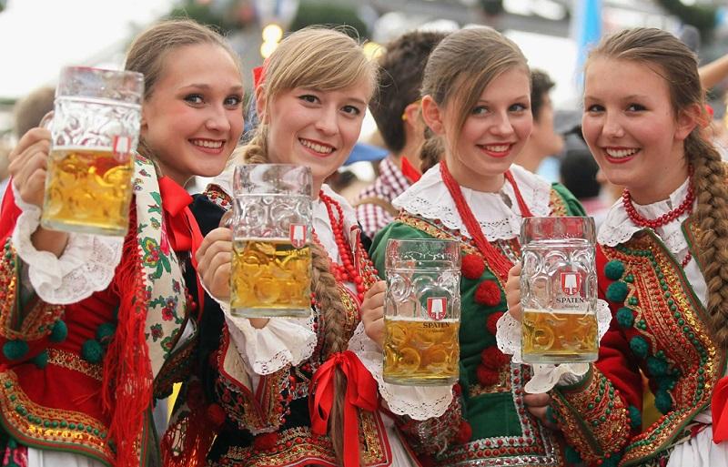 哈萨克斯坦姑娘们