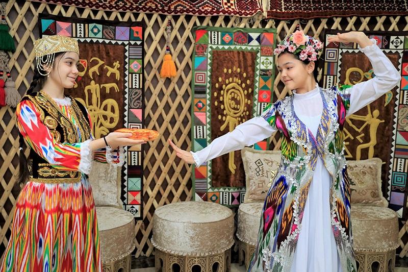 哈萨克斯坦女孩