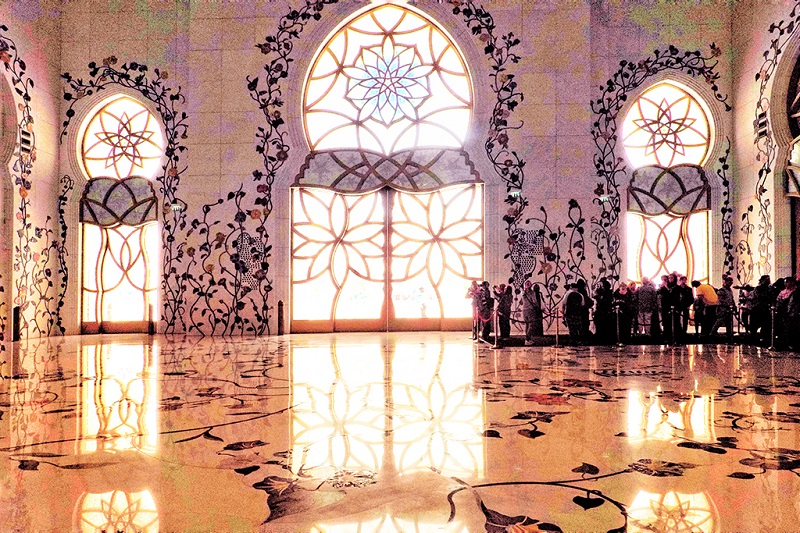 阿布扎比大清真寺内