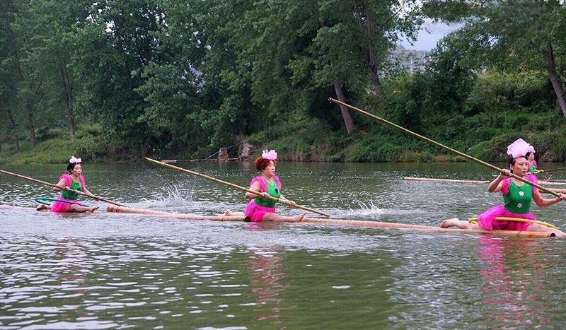 独竹漂是发源于赤水河流域的一种独特的黔北民间绝技