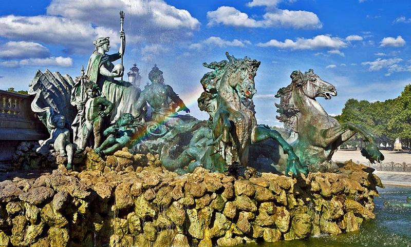 波尔多城市雕塑
