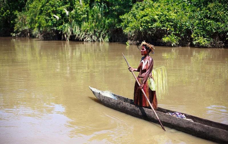 河上独木舟